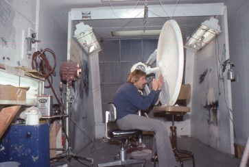 Paul_Olsen_working_on_the_refit-Enterprise_studio_model